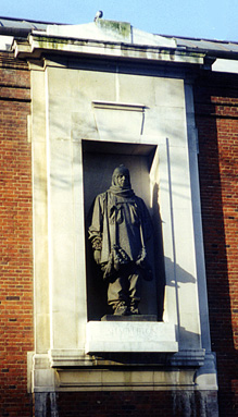 Shackleton Statue